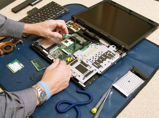 Sửa Laptop Alienware Bị Vô Nước - 1
