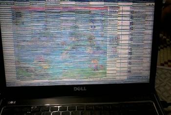 Sửa màn hình Laptop bị rát, sọc ngang, sọc dọc, caro