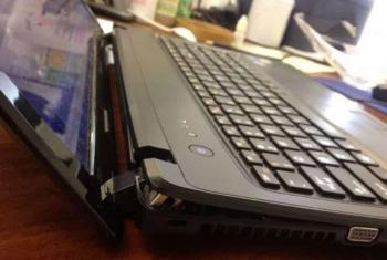 Sửa bản lề laptop bị gãy lấy liền