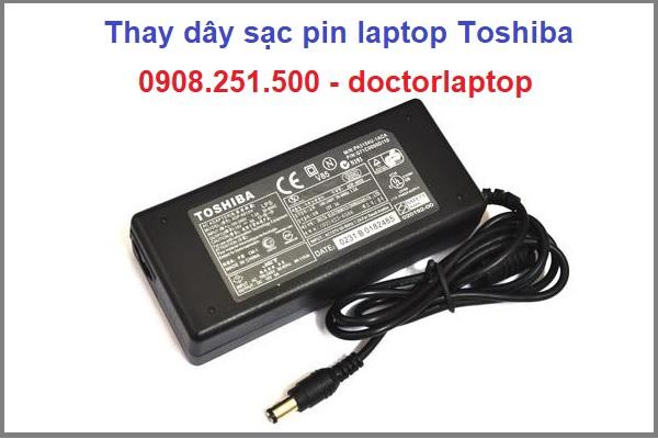 Thay dây sạc pin laptop Toshiba giá rẻ tại tphcm